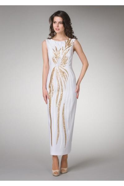 Нарядное длинное белое женское платье с декоративным шитьем
