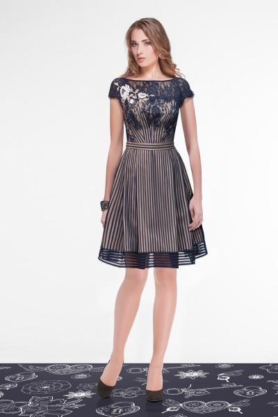 Кружевное платье с чехлом