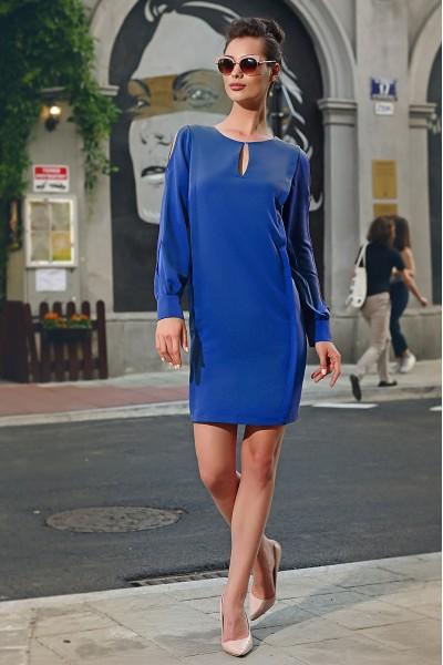 Люше синее полуприлегающее платье Ультрамарин